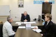 Председатель облисполкома Николай Шерстнёв ответил на вопросы граждан во время личного приема, состоявшегося в ОАО «Молоко»