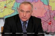 Николай Шерстнёв проводит прямую телефонную линию
