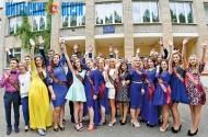 На Віцебшчыне амаль 7 тысяч выпускнікоў школ атрымалі пуцёўку ў дарослае жыццё