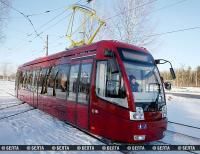 """Экспериментальный суперсовременный трамвай """"Белкоммунмаша"""" вышел на линию в Новополоцке"""