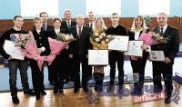 Призеров чемпионата Европы и мира 2014 года по прыжкам на батуте награждали в витебской СДЮШОР №2