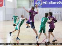 """Республиканские соревнования по гандболу """"Стремительный мяч"""" проходят в Витебске"""