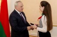 Николай Шерстнёв вручил паспорта талантливым школьникам (15.03.2021)
