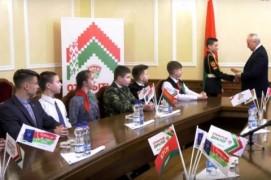Николай Шерстнёв вручил паспорта школьникам и ответил на их вопросы (12.03.2020)