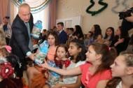 Николай Шерстнёв поздравил с Новым годом воспитанников детского дома (27.12.2018)